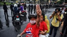 Police arrest 21 at Thai pro-democracy rally