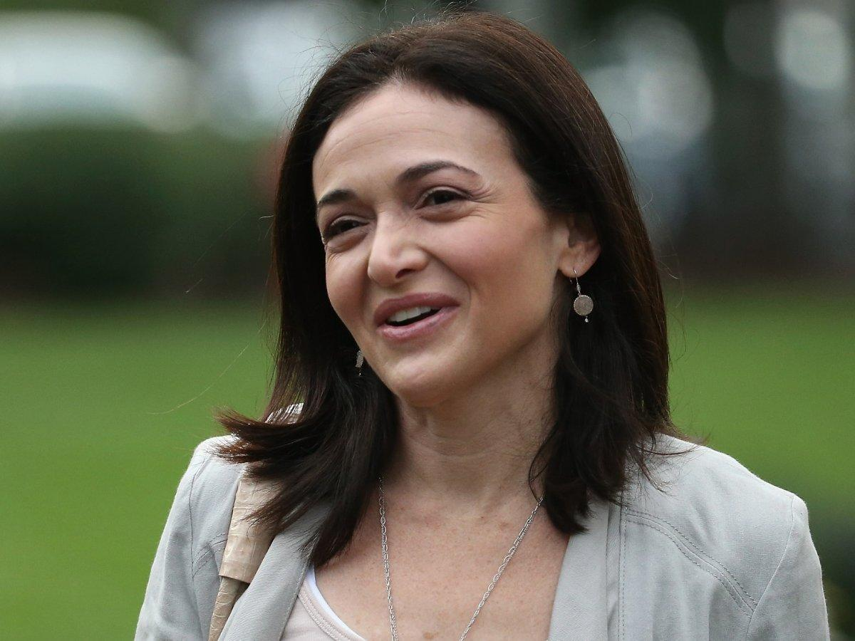 Sheryl Sandberg says Facebook is giving employees more ... Sheryl Sandberg How To Give Support Article