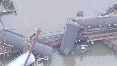 Raw: NJ train derailment tips tankers