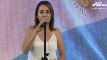 Valeria Gastaldi emocionó a todos en La Nueva Argentina cantando el himno nacional