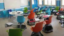 """""""Impossibile scrivere o disegnare"""": i banchi monoposto non convincono gli studenti"""
