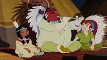"""Disney passa a emitir """"alertas de racismo"""" em obras como """"Dumbo"""" e """"Peter Pan"""""""