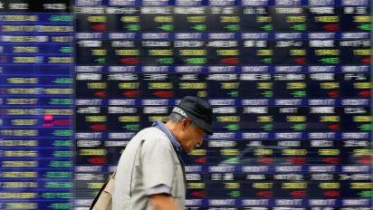 World stocks stumble as US yields near 3%