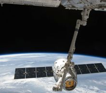 SpaceX delays the launch of its first broadband satellites to February 21