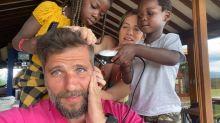 Giovanna Ewbank mostra filhos cortando cabelo de Gagliasso na quarentena