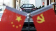 Chine: sur quatre roues, la Drapeau Rouge a le vent en poupe