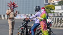 Coronavirus: India defiant as millions struggle under lockdown