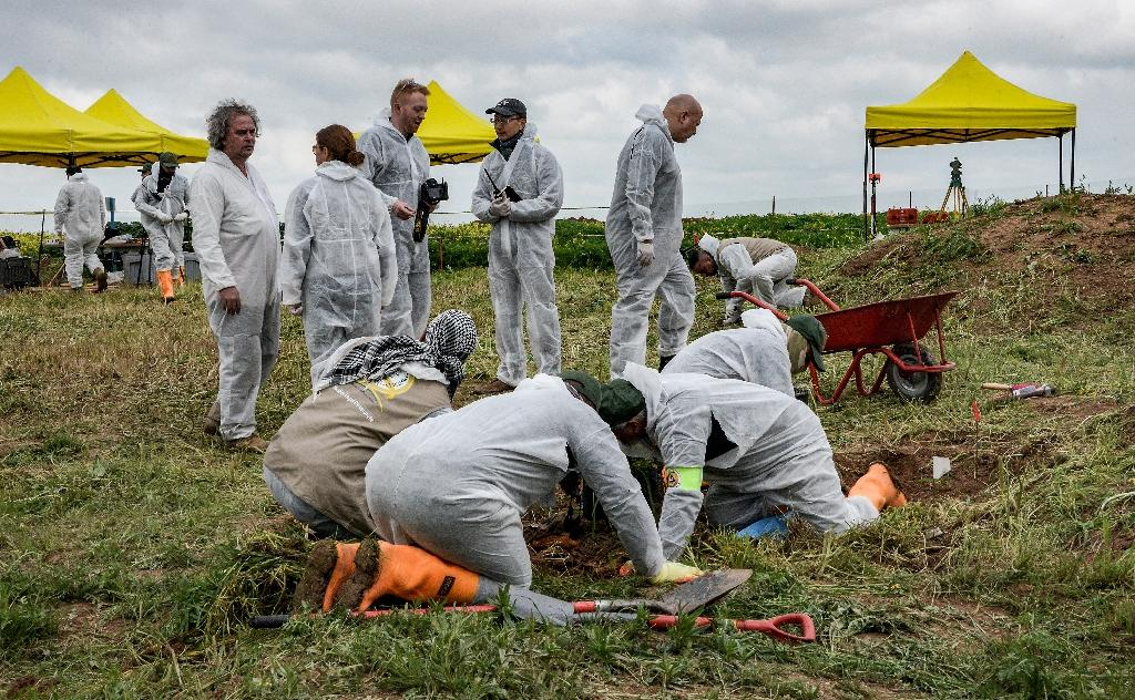 UN team unearths 12 mass graves in Iraq probe of IS crimes