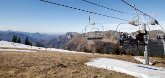 """Ski: les CCI demandent """"urgemment"""" l'ouverture des stations et des remontées mécaniques"""