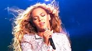 WOWtv - Beyonce Gets Hair Caught In Fan During Concert