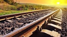 60-Cent Loonie Looming? Hedge Your Portfolio With CN Rail (TSX:CNR) Stock