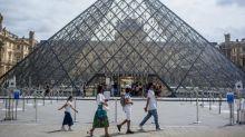 Au Louvre, 60% de visiteurs en moins en août après une chute de 75% en juillet