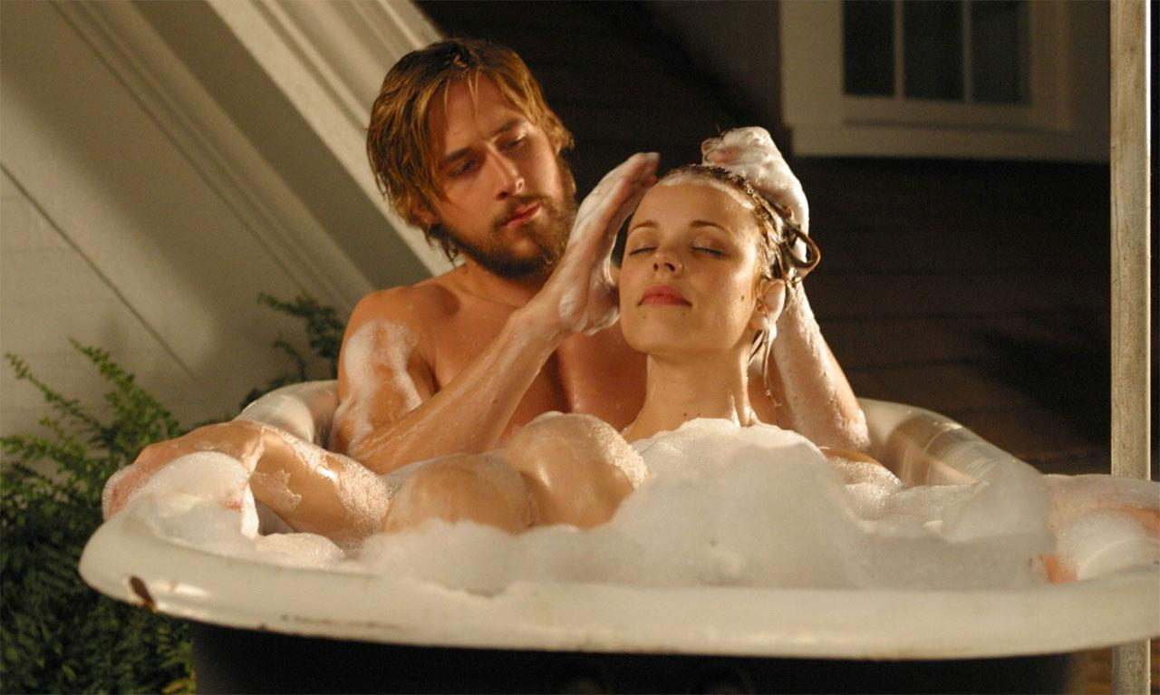 rachel mcadams confirms ryan gosling rift on the notebook ryan gosling and rachel mcadams in 2004 s the notebook credit