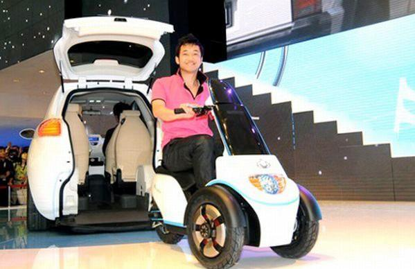 Geely McCar comes with an electric scooter or wheelchair in the back