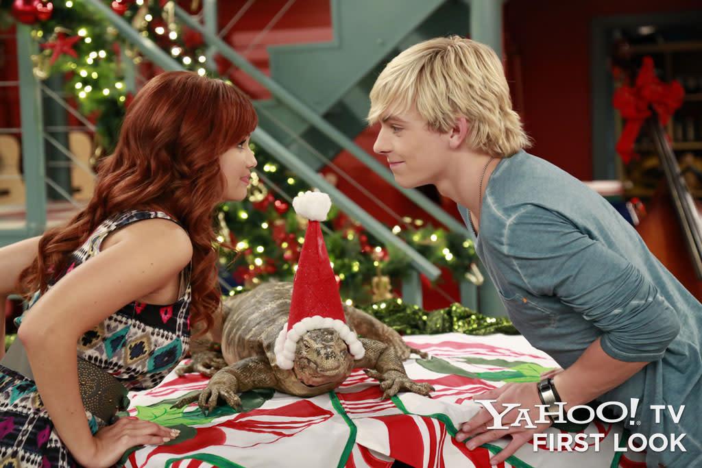 Jessie Christmas.Austin Jessie Ally All Star New Year