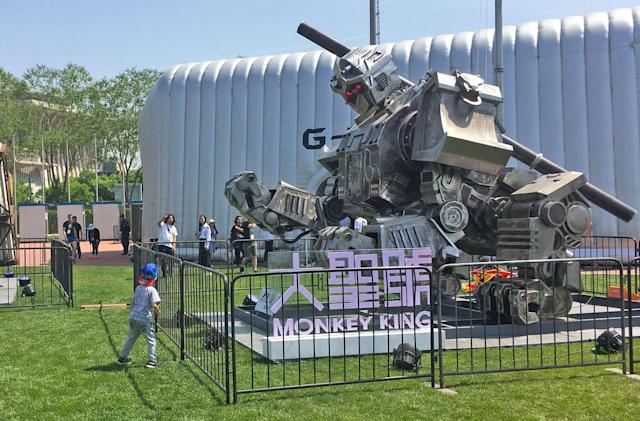 China takes its turn at a giant fighting robot