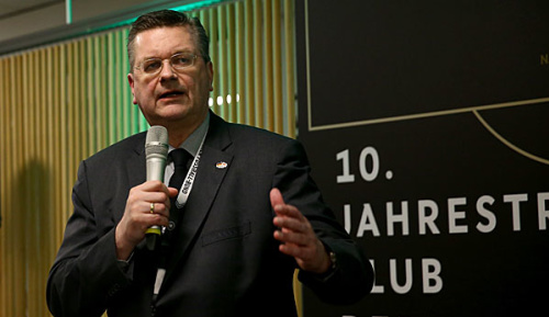 Champions League: DFB-Präsident Grindel besucht Dortmund-Spiel