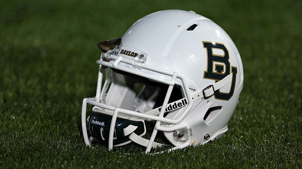 Baylor considering 285-pound DL to replace injured punter