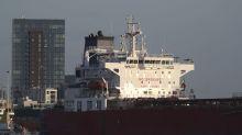 Comando británico asalta petrolero secuestrado, 7 detenidos