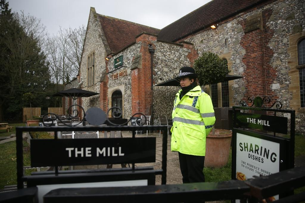 Traces of a nerve agent used to poison Russian ex-double agent Sergei Skripal have been found at The Mill pub and the Zizzi restaurant in Salisbury