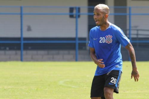 Conselhos e desencontro: jovem do Timão conta experiência na Seleção