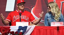 Mike and Jessica Trout announce birth of first child, named in honor of late brother