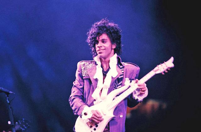 Prince's music returns to Spotify and other services this weekend (updated)