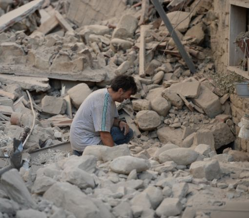 Five dead as powerful quake shakes Italy