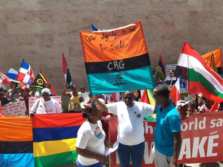 Chagos Islanders protest British refusal to hand over to Mauritius