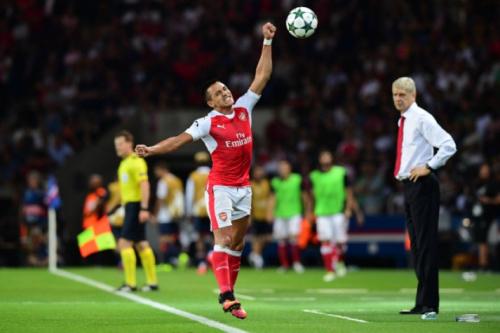 Wenger frisa que Sánchez fica no Arsenal e diz: 'Sempre esteve focado'