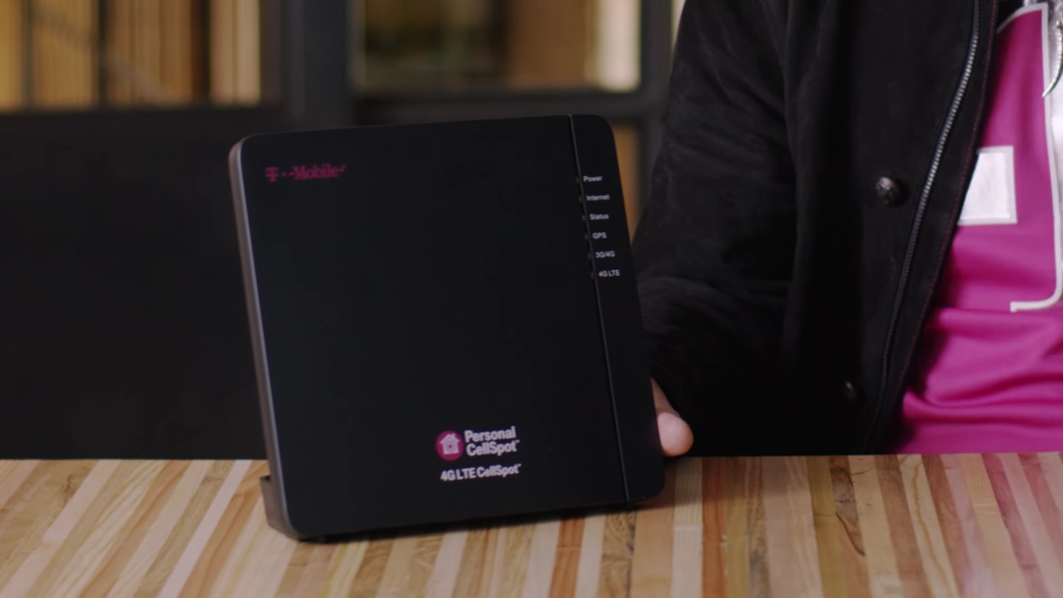 T-Mobile announces 4G LTE tower inside a router, available