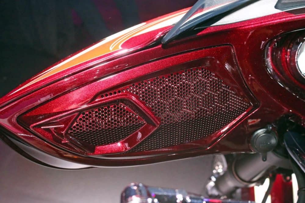 氣勢磅礡─勝利 & 印地安兩大美式重機2015年式新車上市 精選