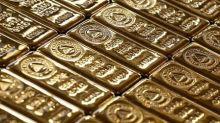 Oro cierra plano, dólar débil contrarresta mayor apuesta por riesgo