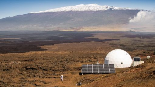 Six Scientists Lived in a Tiny Pod for a Year Pretending They Were on Mars