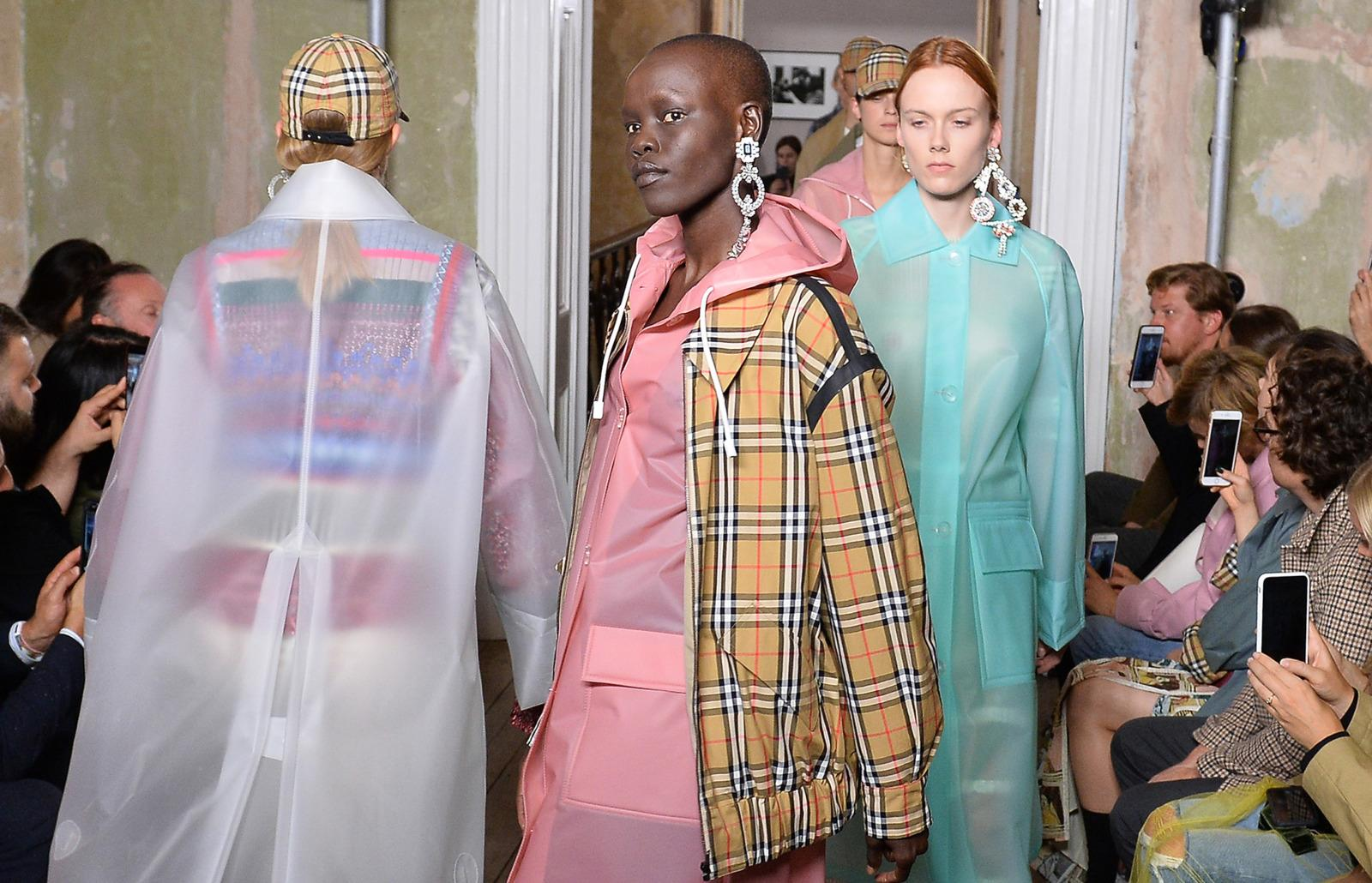 Burberry brings back its iconic check print - Burberry fashion show ...