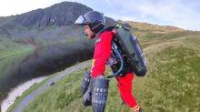 Des secouristes britanniques en jetpack pour sauver des vies