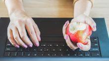 Así debes comerte la manzana para mantener lejos al doctor