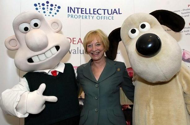 UK offers long-awaited copyright reform that sanctions format shifting, remote education