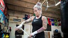 La violencia doméstica casi destruye a la 'reina' del boxeo sin guantes