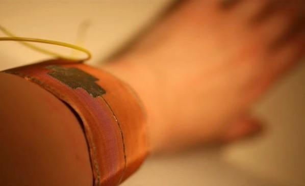MIT's EMF detector bracelet takes all the fun out of radiation poisoning