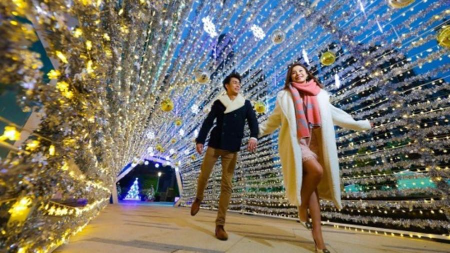 【本地好去處】香港夢幻燈飾荃灣冬日小鎮!13米雪花隧道+冬日市集+工作坊