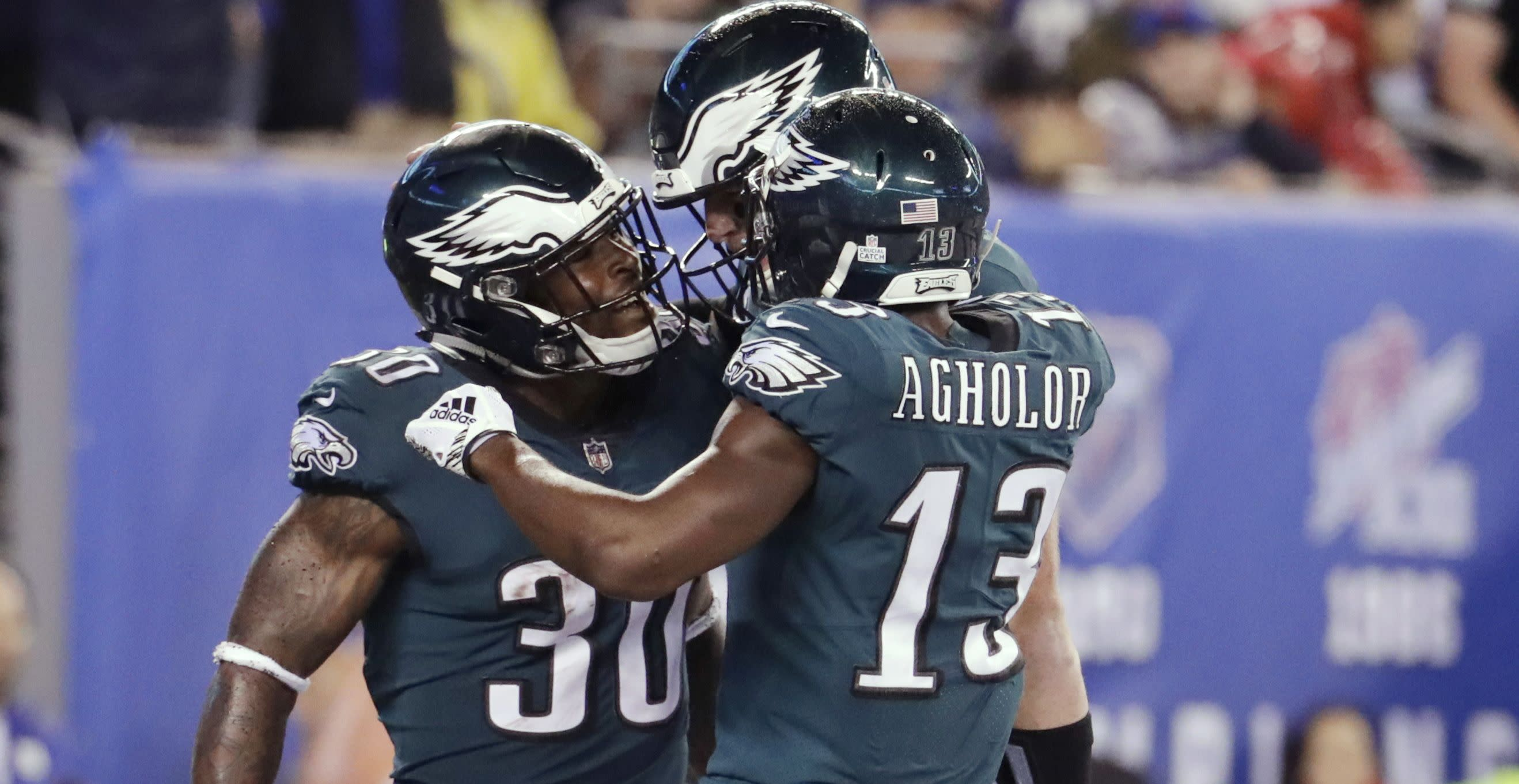 Eagles back on track with blowout of Giants