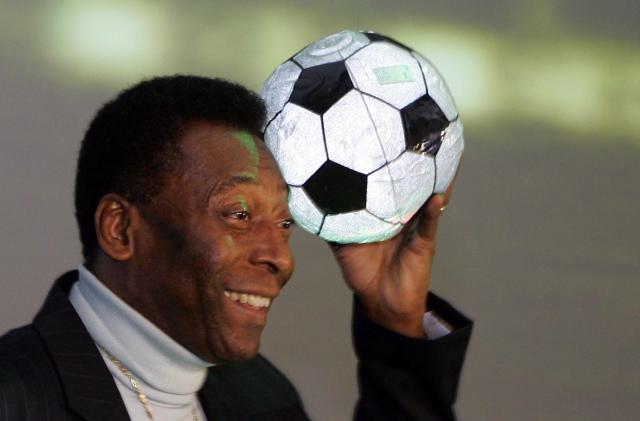 Soccer legend Pele suing Samsung over doppelganger