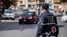 """I primi No-Mask a Roma sono i vigili Ugl: """"Covid-19? Una brutta influenza"""""""