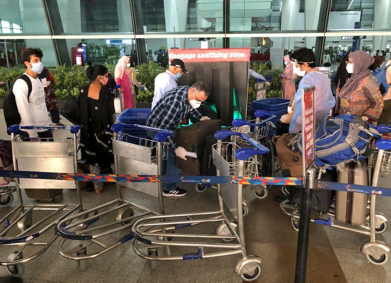 Supreme Court orders airlines to refund bookings during coronavirus lockdown
