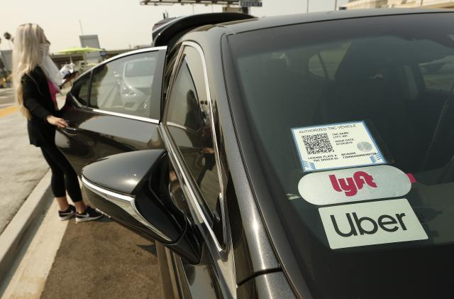 Appeals court backs ruling that Uber, Lyft should treat drivers as employees