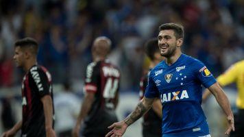 Cruzeiro empata com Furacão em casa e avança na Copa do Brasil
