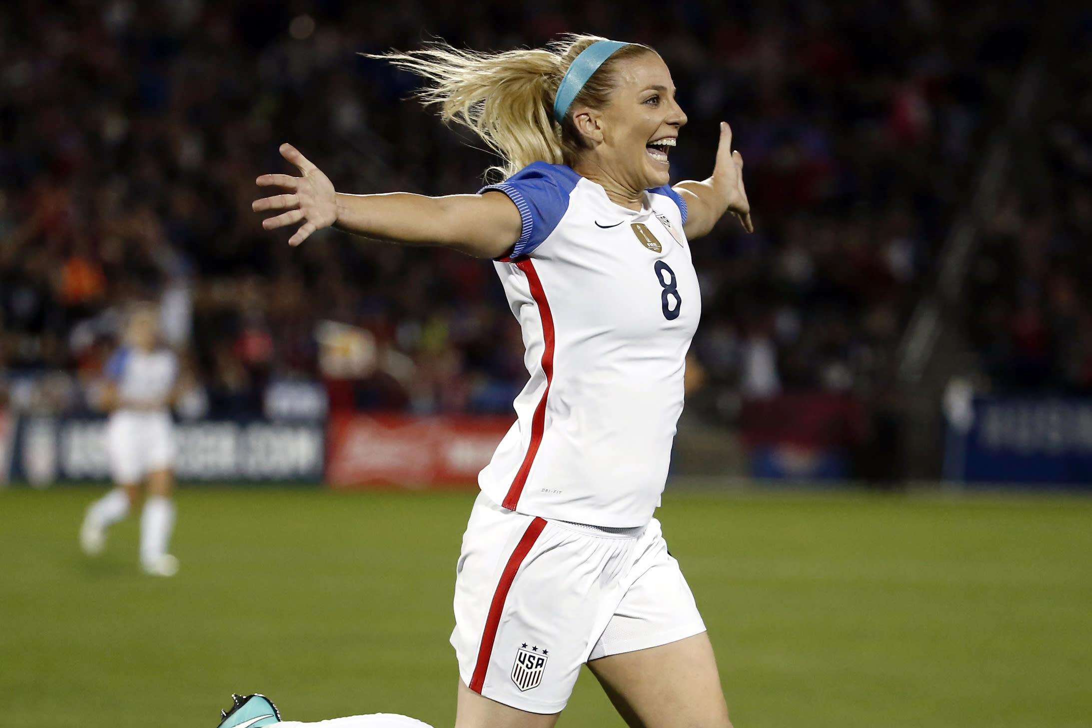 ผลการค้นหารูปภาพสำหรับ Women's Footballer of the Year contender Julie Ertz