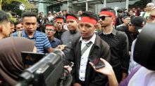 200 students hold anti-UEC protest