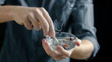 Fumo e Covid-19, quali sono i pericoli: l'annuncio dell'Oms